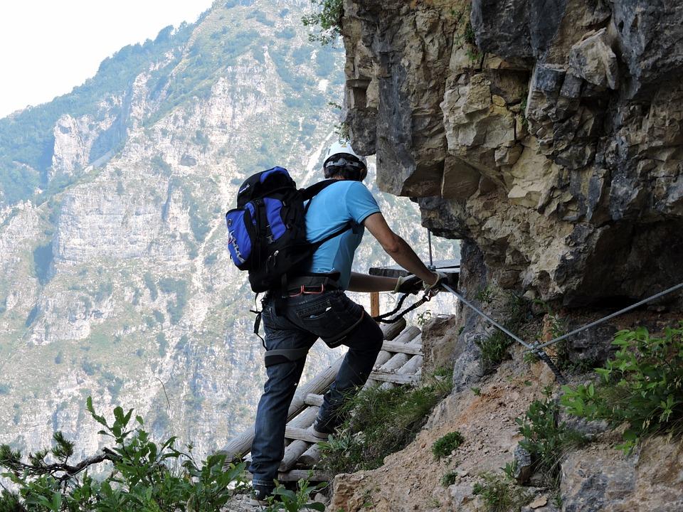 climbing-850471_960_720